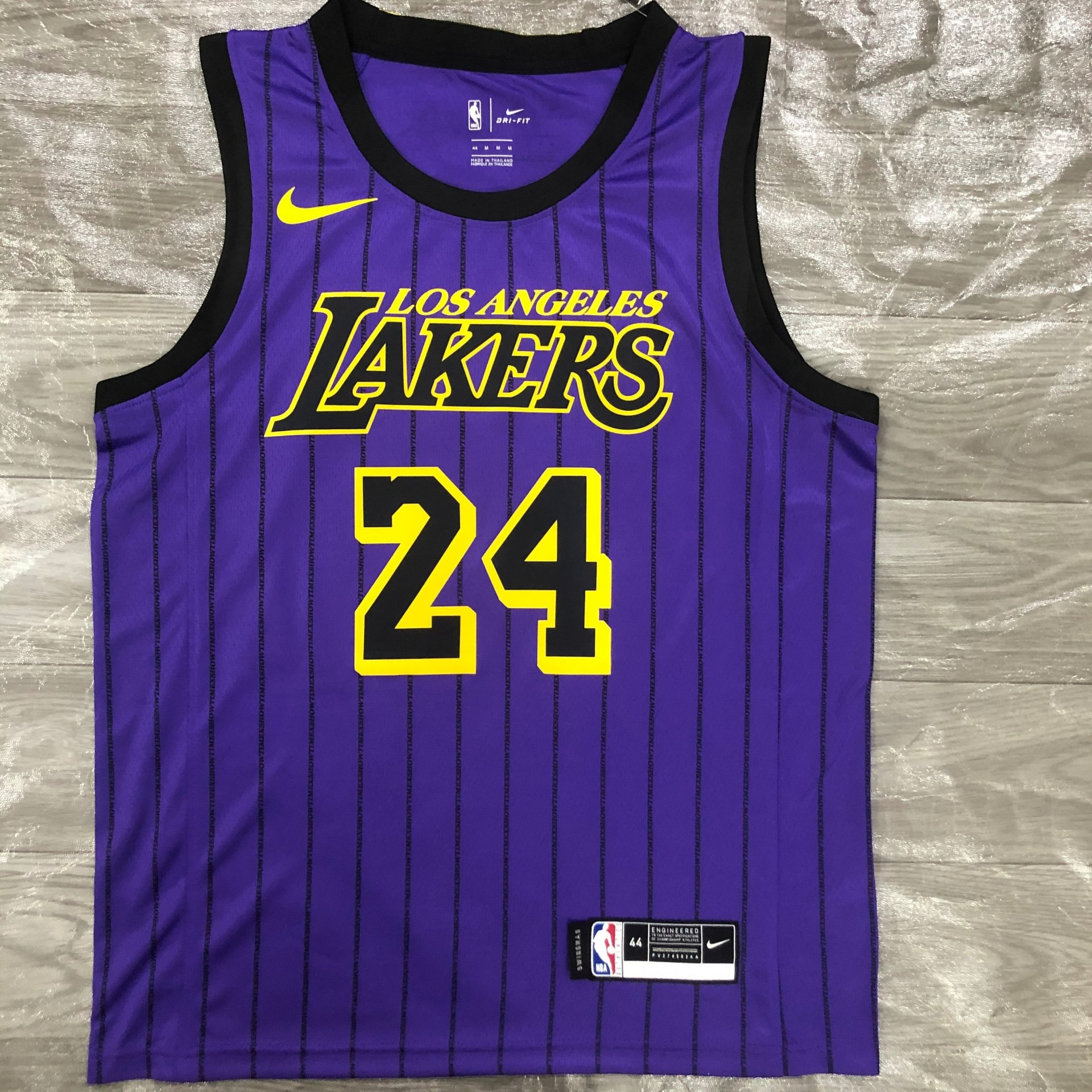 Kobe Bryant Los Angeles Lakers - Purple City Edition #24 ...
